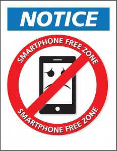 cartello riunioni senza cellulari