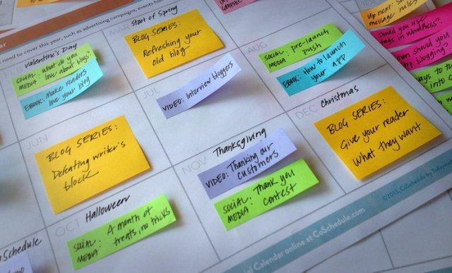modello di calendario editoriale